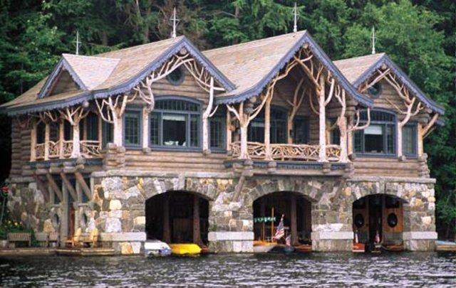Деревянные дома и сооружения
